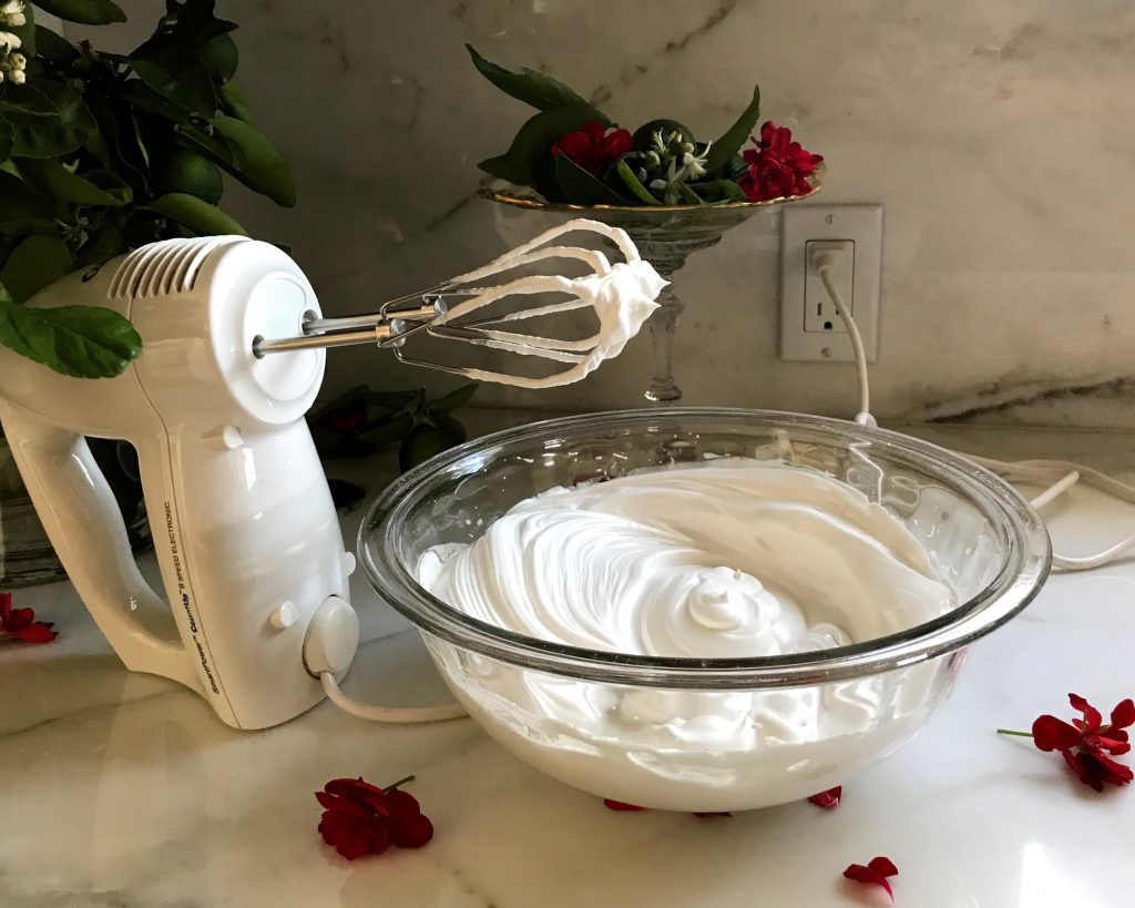 how to make whipped cream with meringue powder